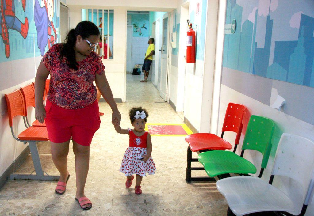 Paciente Evelyn Rocha, de 1 ano, no nosso Ambulatório Geral (Foto: Sandra Rozados)