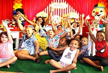 Mês da Criança: pacientes do Martagão participam de festa no Balão Mágico Buffet Infantil