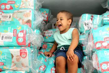 Pampers e Ivete Sangalo doam 6 meses de fraldas para o Martagão