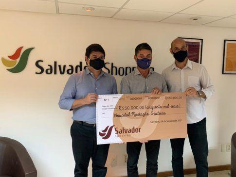 Hospital recebe doação da promoção solidária de Natal do Salvador Shopping