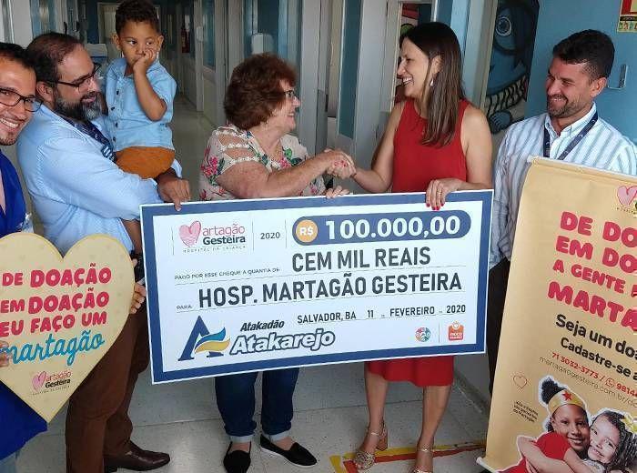 Os clientes do Atakarejo podem doar seu troco para o Martagão. As 17 lojas da rede de supermercados, localizadas em Salvador, Lauro de Freitas, Camaçari, Feira de Santana e Alagoinhas, participam do Troco Solidário e aceitam doações de qualquer valor, em espécie.